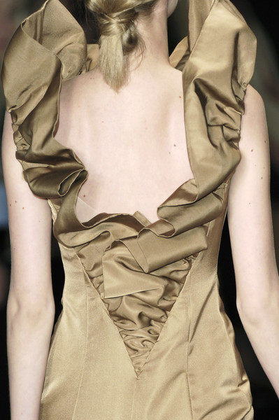 Giambattista Valli Fall 2006 - Details