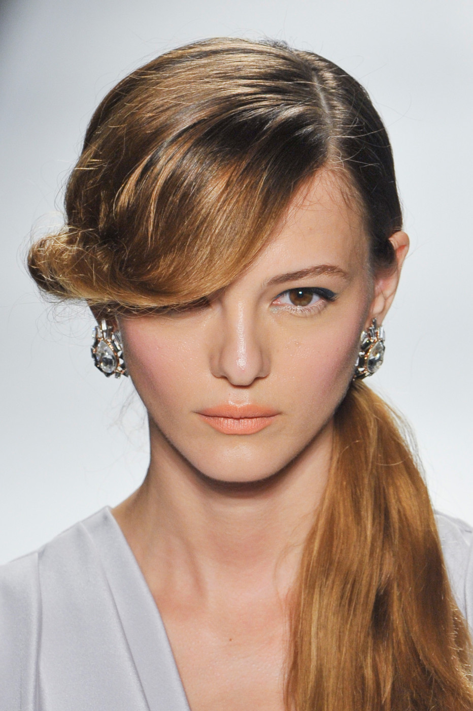 7 Best Hairstyles For Spring : Jenny packham spring best runway hair
