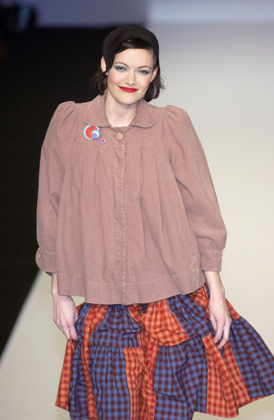Jessica Ogden at London Fall 2005