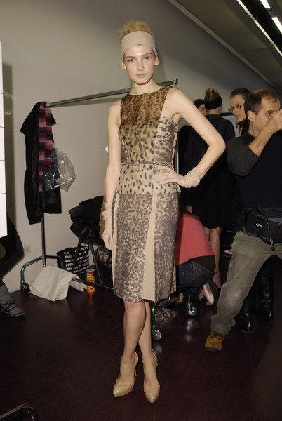 La Perla Fall 2008 - Backstage