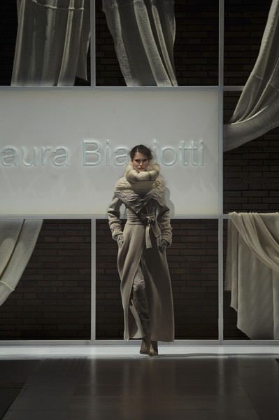 Laura Biagiotti Fall 2010