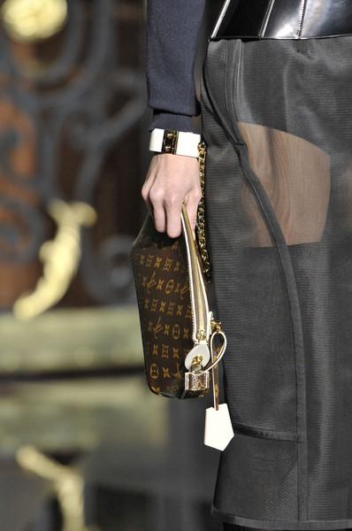 Louis Vuitton Fall 2011 - Details