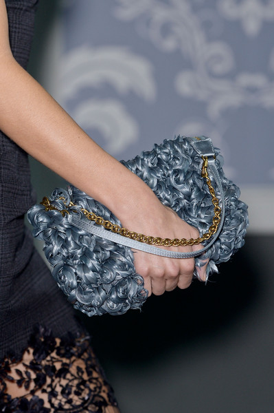 http://www3.pictures.stylebistro.com/it/Louis+Vuitton+Fall+2013+Details+LbyRdsz-gahl.jpg