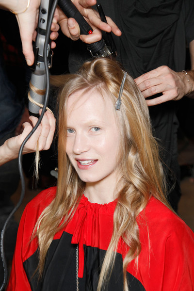 Matthew Williamson Fall 2011 - Backstage