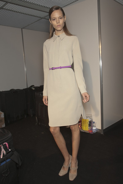 MaxMara at Milan Spring 2011 (Backstage)