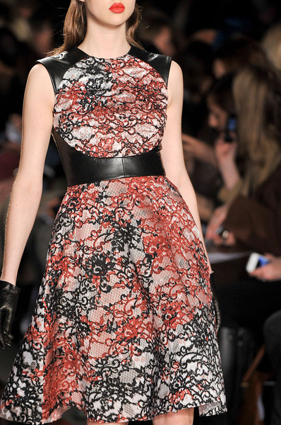 Monique Lhuillier Fall 2012 - Details