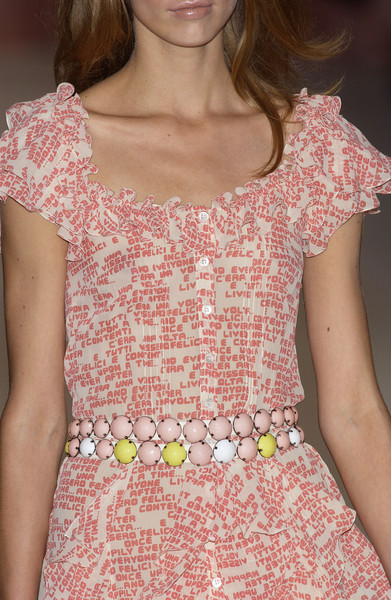 Moschino Cheap & Chic Spring 2004 - Details