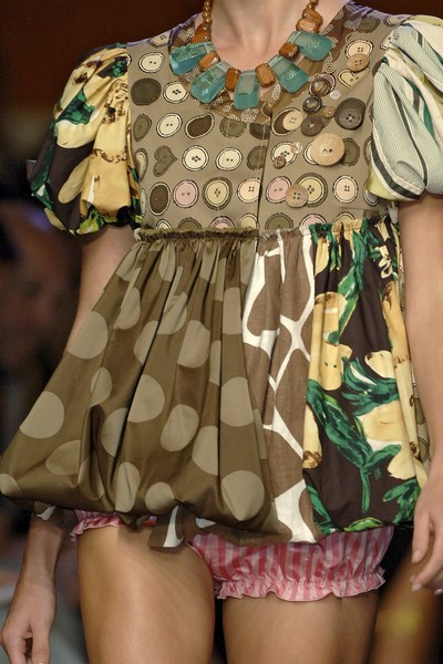 Moschino Cheap & Chic Spring 2007 - Details