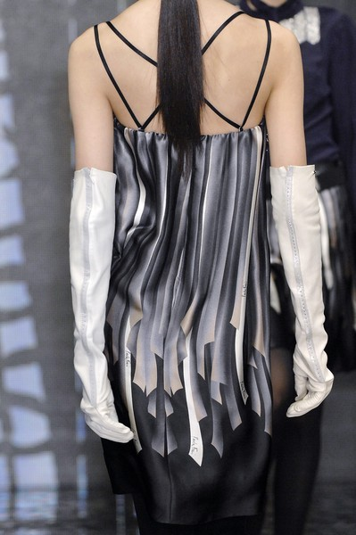 Paola Frani at Milan Fall 2007 (Details)