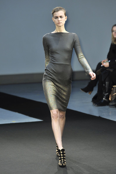RM by Roland Mouret at Paris Fall 2009