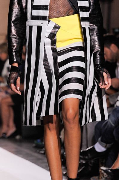 Roland Mouret at Paris Spring 2014 (Details)