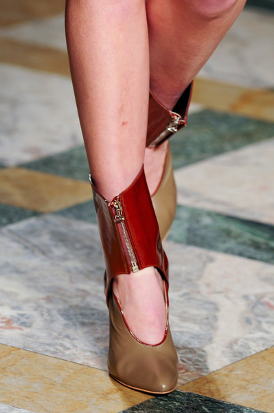 Sergei Grinko at Milan Fall 2013 (Details)