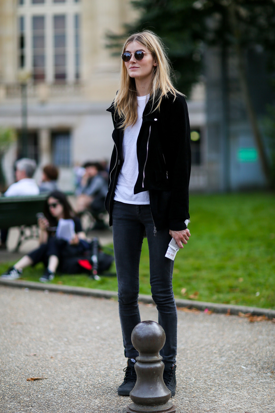 Back To Basics Best Street Style From Paris Fashion Week Spring 2015 Stylebistro