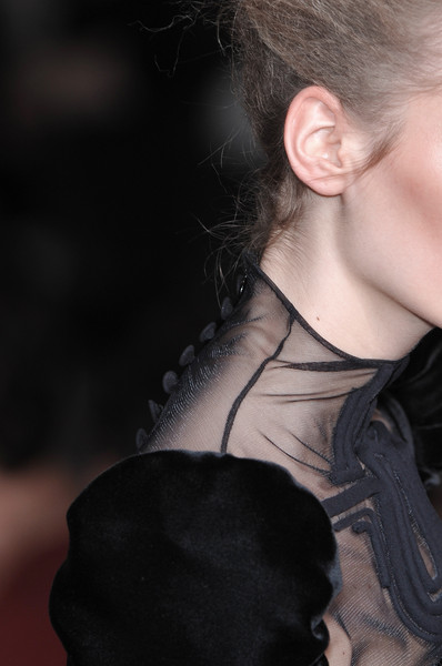 Stéphane Rolland at Couture Fall 2009 (Details)