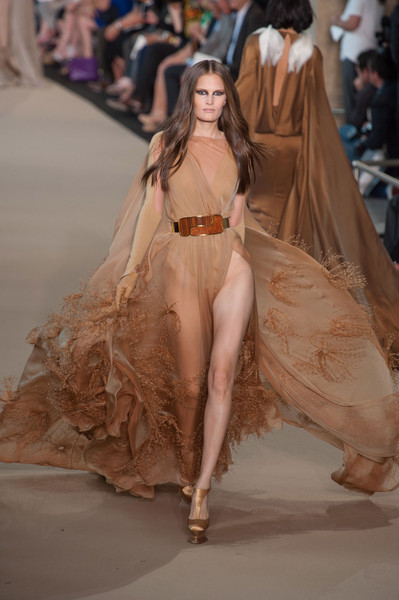 The most beautiful fall 2012 couture looks continued for What does haute couture mean