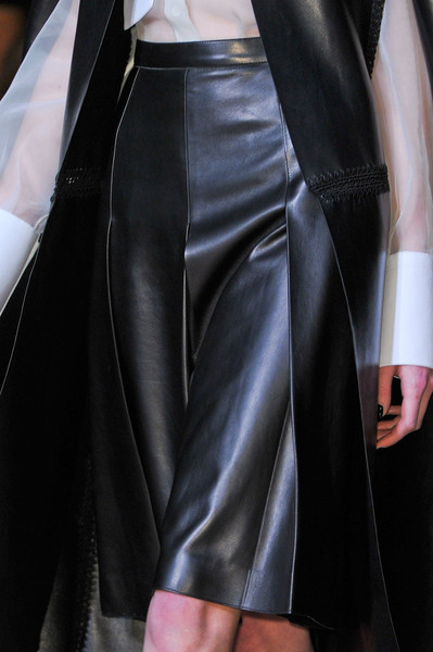 Valentino Fall 2012 - Details