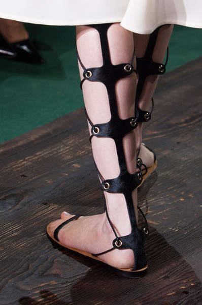 Valentino at Couture Fall 2014 (Details)