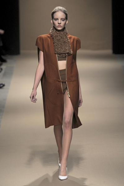 Véronique Leroy Fall 2010