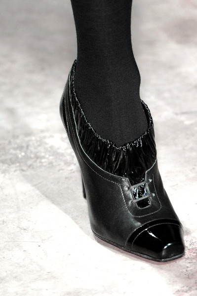 Yigal Azrouël Fall 2007 - Details