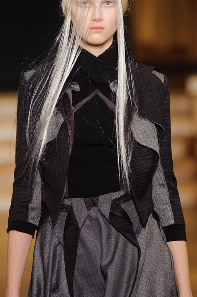 Yiqing Yin at Couture Spring 2013 (Details)