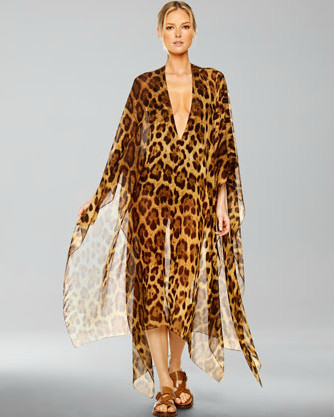 0 DhAivDWa8l Jessica Simpson Dreams of Giving Birth in a Leopard Print Caftan