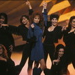 Reba McEntire Wrangles Up the Gals in 1994