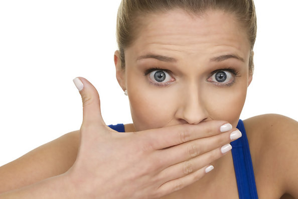 Easy Ways to Stop Bad Breath from Ruining Your Night