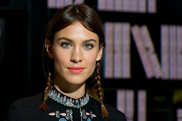 The Girlish Hair Trend You've Gotta Try