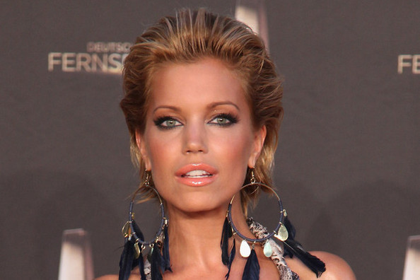 How to DIY Sylvie van der Vaart's Sky-High Hair