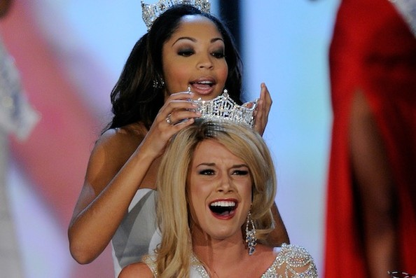 Miss Nebraska Teresa Scanlan Is Crowned Miss America 2011
