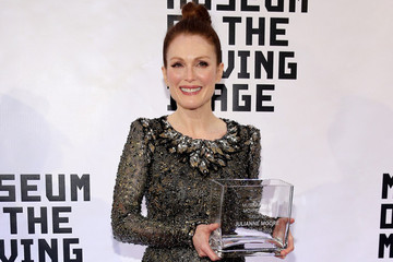 Look of the Day: Julianne Moore's Couture Frock