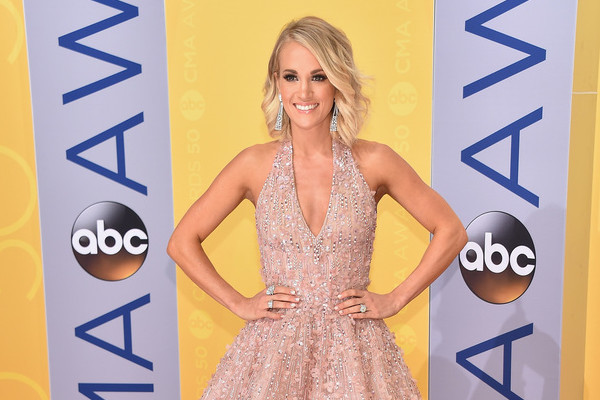 Every Look from the 2016 CMA Awards