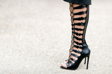What to Wear: Laced Up Shoes