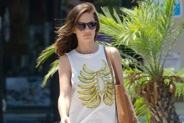 Found: Minka Kelly's Muscle Tee