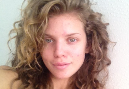 AnnaLynne McCord Posts Makeup-Free Photo to Protest 'Hollywood's Perfection Requirement'