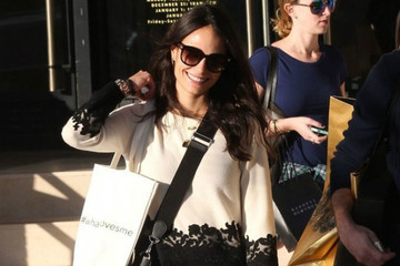 Look of the Day: Jordana Brewster's Shopping Outfit