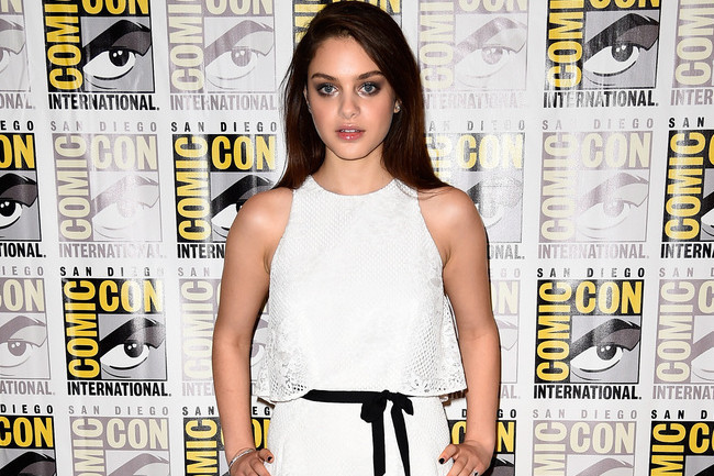 Odeya Rush's All-White Ensemble