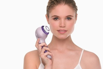 Editor's Pick: A Sonic Face Brush to Rival Clarisonic's