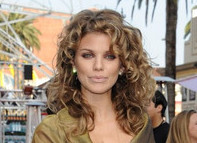 AnnaLynne McCord's Blond Locks: Curly vs. Straight