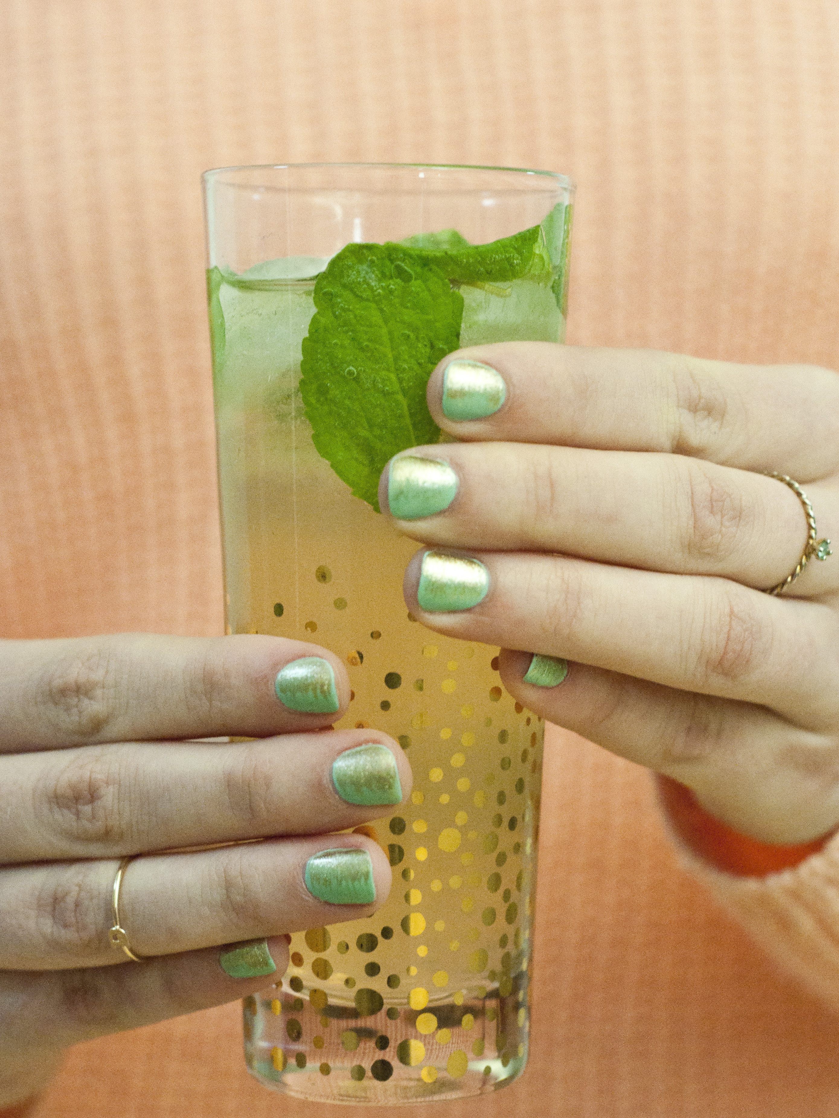 Sips and Tips: Spiced Mojito and the Sparkling Mojito Mani
