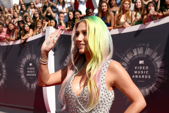 All of the Hair and Makeup Looks from the 2014 MTV VMAs