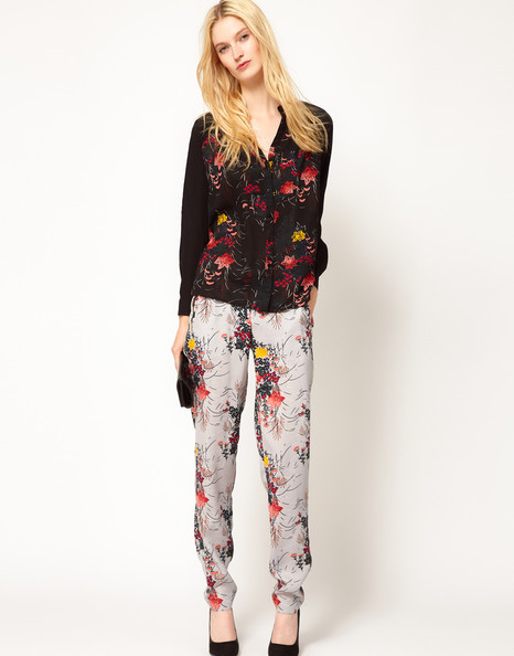 Loose-Fitting Floral