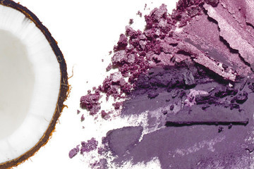 Tuesday Tip: The Natural Way to Save Your Shattered Powder Makeup
