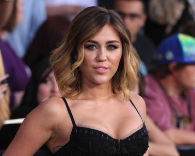 Hot or Not: Miley Cyrus in Emilio Pucci