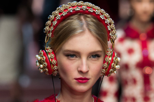Seven Fashion and Beauty Podcasts to Listen to Now