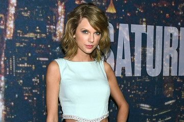 Taylor Swift Now Uses Her Wardrobe to Call Out Former Flames