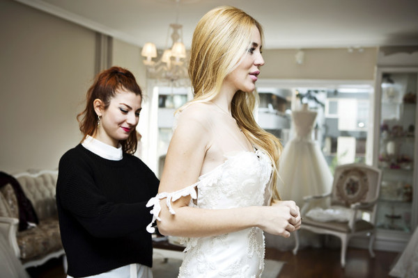 6 Things Every Bride Should Bring Wedding Dress Shopping