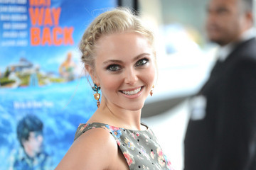 Weekend Wardrobe Inspiration: AnnaSophia Robb