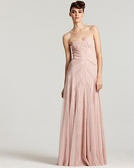 New York Prom Dresses: Resource Guide