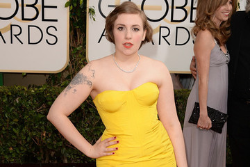 Lena Dunham Instagrams Her Weird Beauty Secret